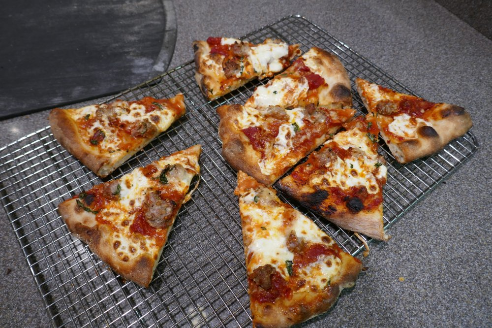 Camp Chef Pizza Oven_04.jpg