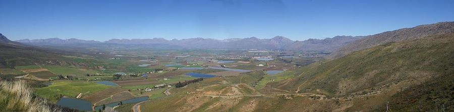 1200px-Ceres_Valley_Panorama_View.jpg
