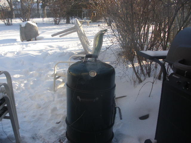 """Master Forge 36"""" bullet charcoal smoker mods and"""