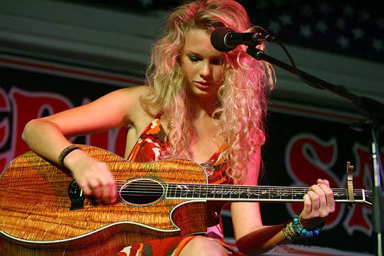 Taylor_Swift_Koa_Guitar.jpg